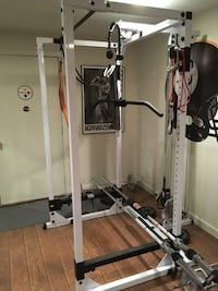 Body Solid Pro Power Rack with latt pulldown