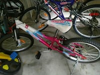 Young girls bike Burlington, L7L 5M4