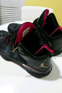 pair of black-and-red Nike basketball shoes Mississauga, L4T 1N1