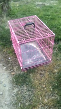 pink and white metal pet cage Reedley, 93654
