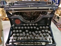 Typewriter at Roadshow Antiques booth R314