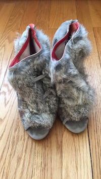 size  7.5  Charles Jourdan       Rabbit Fur Leather Sole Silver Spring, 20902