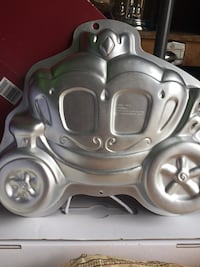 Carriage cake mold!!!