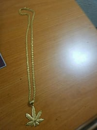 24 carrot gold chain looks dope. Has a adjuster. Omaha, 68127