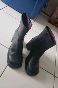 Leather Boots Size 7 Black Mississauga, L5B 2C9