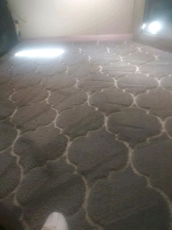 carpet excellent condition no stains just been sha a5808474-41b7-434f-871e-2ddf88904d10