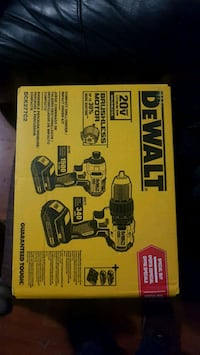 DEWALT 20V  BRUSHLESS  WITH 2 BATTERIES AND CHARGER