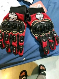 carbon fiber knuckle gloves Port Coquitlam, V3C 1Z8