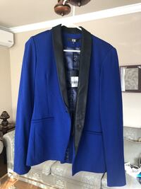 Women blazer size M never worn with tags Laval, H7S 1Y3