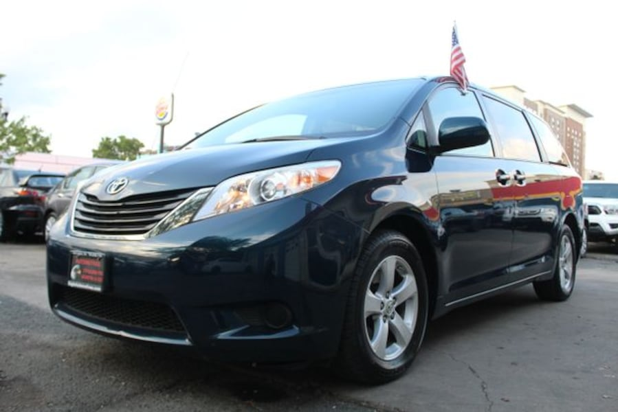 2011 Toyota Sienna for sale 1f7660b5-6272-4119-9f75-75a4171f4aac