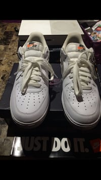 pair of white Nike Air Force 1 low Washington, 20024