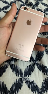 silver iPhone 6 with case Socorro, 79927