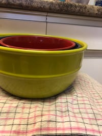 3 matching large bowls  Guelph, N1H 8L4