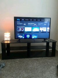 tv stand  Oxon Hill, 20745