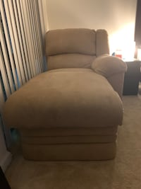 Tan reclining couch  Arlington, 22204