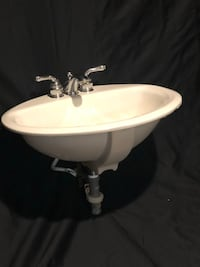 Sink - White ceramic with faucet Owings Mills, 21117