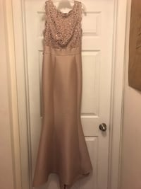 Macy's special occasion dress - size 6 Herndon, 20170