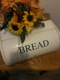 BREAD KEEPER Clean inside and Out  Charlotte, 28205