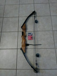 Martin compound bow with accessories Mount Morris, 48458