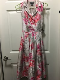 Floral elegant dress. Brand New. Size 4 Alexandria, 22303