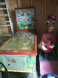 pinball machine  and  Donald Duck ride  500 a piece Toys