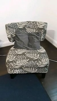 black and white floral fabric sofa chair Hyattsville, 20784
