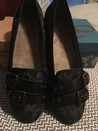 Women's shoe with leather straps Laval, H7M 4V5
