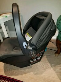 baby's black and gray car seat carrier Toronto, M3M 2E9