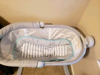 baby's white and gray bassinet Moreno Valley, 92553