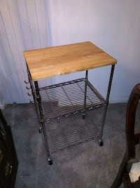 Microwave stand/kitchen island Oxon Hill