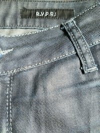 GUCCI JEANS  Los Angeles, 91367