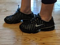 Nike Youth Size 6 Runnrs