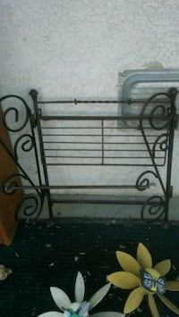 Rod iron towel rack Bakersfield, 93308