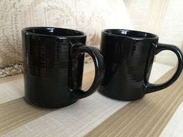 2 BLACK CUPS