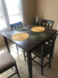 Rectangular brown wooden table with four chairs dining set Chicago, 60647