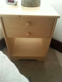 Bedside table w drawer