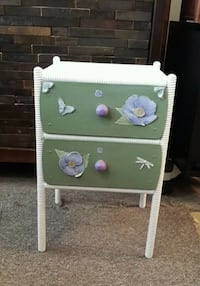 Small Vintage 2-Drawer Chest