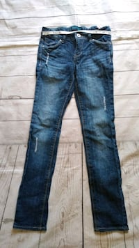Brand New Beautiful Levi's Jeans , size 7  Frederick