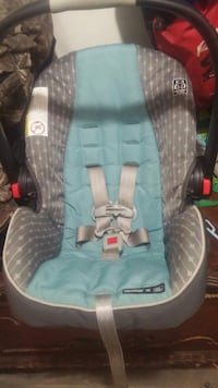 Graco Snug Ride 35 Car Seat for trade Hamilton, L8W 1M9
