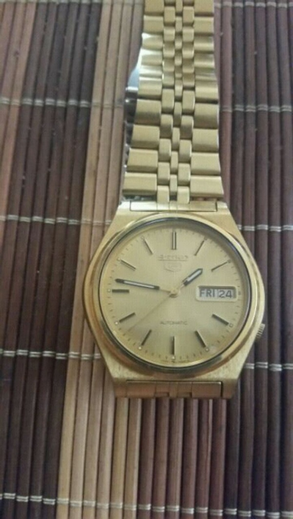 SEIKO 5 AUTOMATIC WATCH Perfect condition