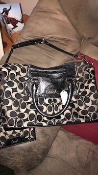 Coach purse n wallet set  Essex, 21221