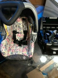 Babytrend Carseat & base