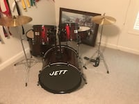 Beginners Drum set, used very little. 300 brand new. This is not a full size set. Haymarket, 20169