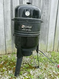 Cookmaster gas & charcoal smoker Madisonville, 37354
