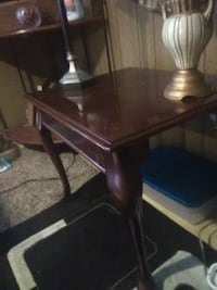 Real Cherry Wood Victorian style end table Jacksonville, 72076