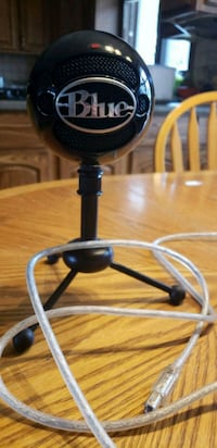 Blue SnowBall Mic Winnipeg