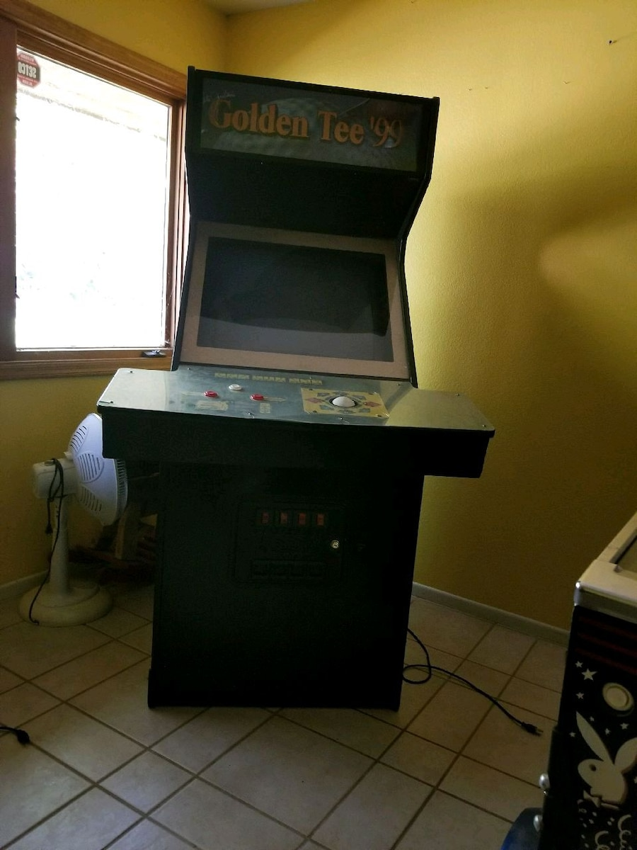 Photo Golden Tee Golf Game. Arcade size. Stand up.