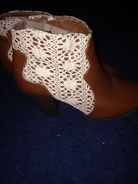 Cute size 8 ankle boots 382 mi