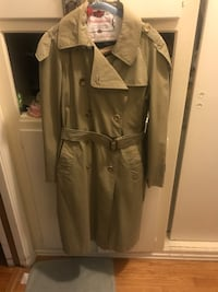 Perfect condition Burberry coat Santa Barbara, 93103