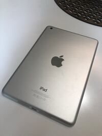 Ipad Mini 16GB PERFECT CONDITION + FREE CASE Toronto, M2N 5M4